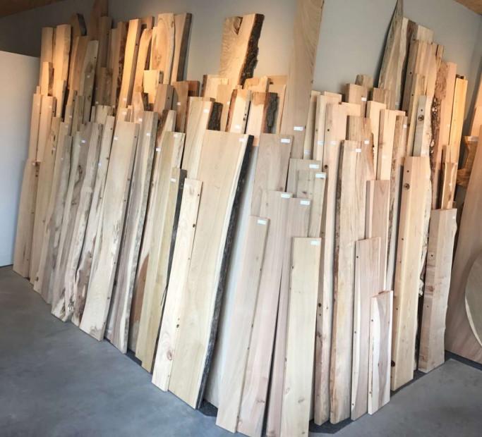 boomstamplanken-boekenplanken-blinde_planken-zwevende_planken-stamplanken-wandplanken-keukenplanken-1
