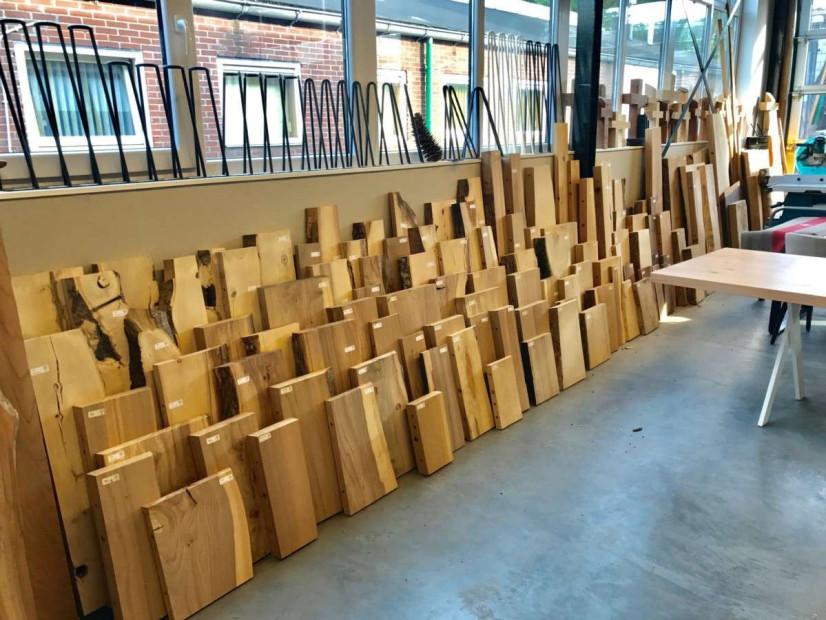 boomstamplanken-boekenplanken-blinde_planken-zwevende_planken-stamplanken-wandplanken-keukenplanken-3