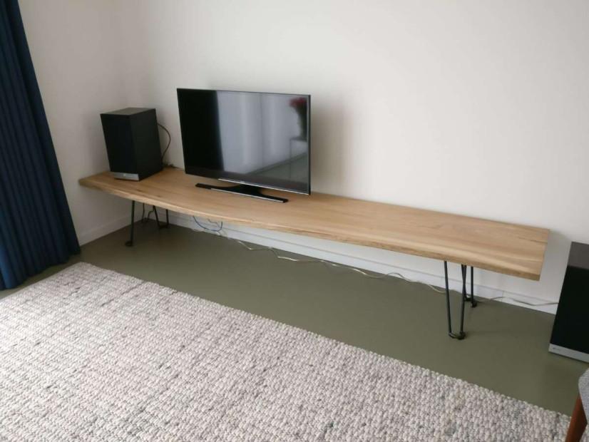 tvmeubel-tvplank-iepenhout-tvtafel-1