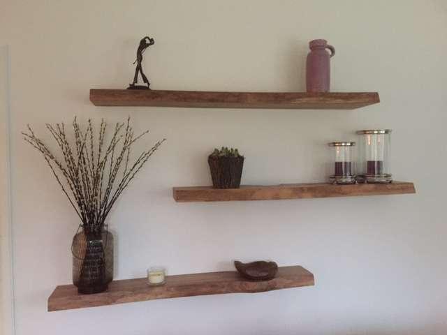 Houten Plank Voor Aan De Muur.Zwevende Plank Een Design Boekenplank Op Maat Woodend